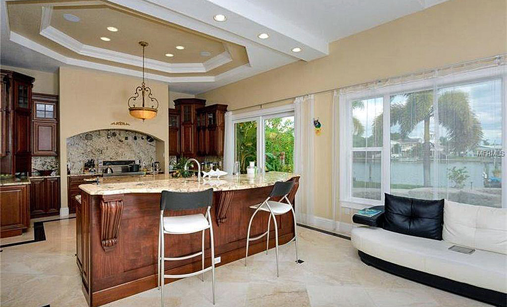 25-Leeward-Is-Clearwater-FL-33767-kitchen