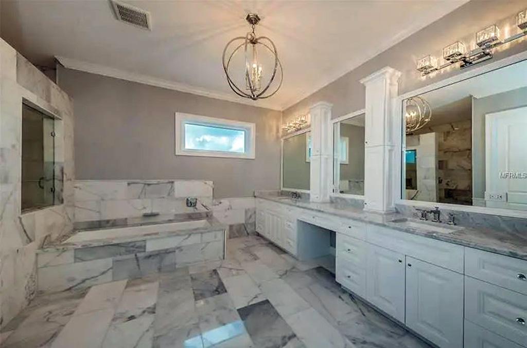 159-Bayside-Drive-Clear-Water-Beach-FL-33767-bathroom