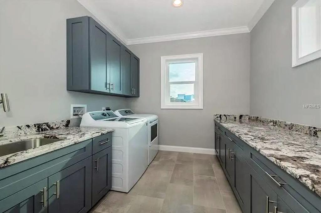 159-Bayside-Drive-Clear-Water-Beach-FL-33767-laundry