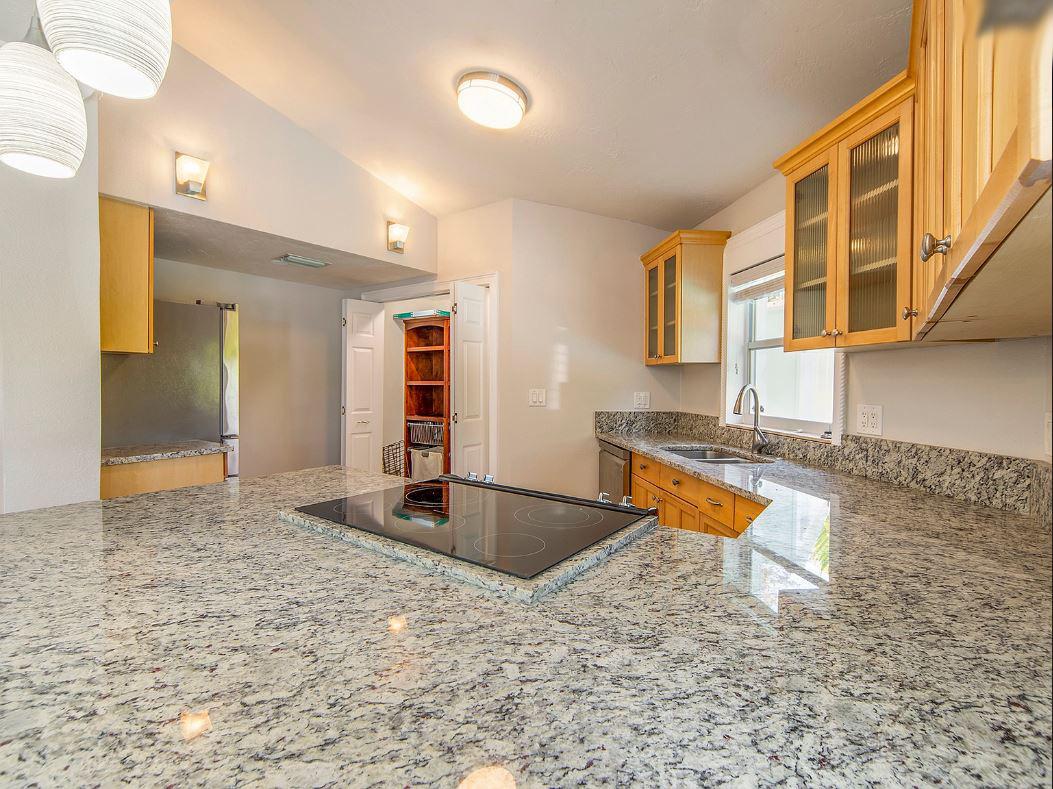 1727-Magnolia-Rd-Belleair-FL-33756-kitchen