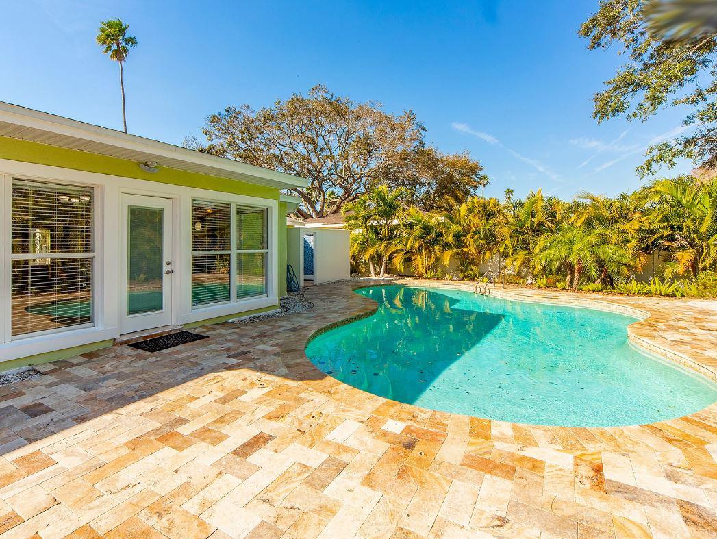 1727-Magnolia-Rd-Belleair-FL-33756-pool
