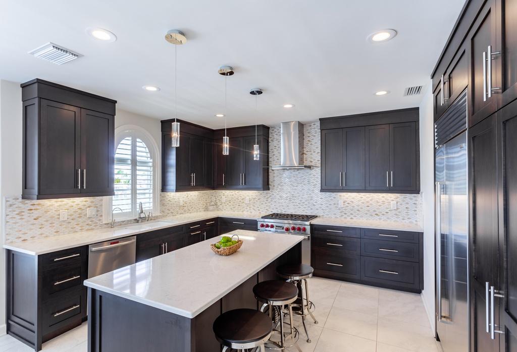 400-Palm-Is-SE-Clearwater-FL-33767-kitchen